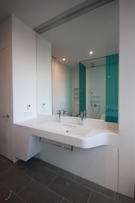 Large sink unit - Master Bath - Closed