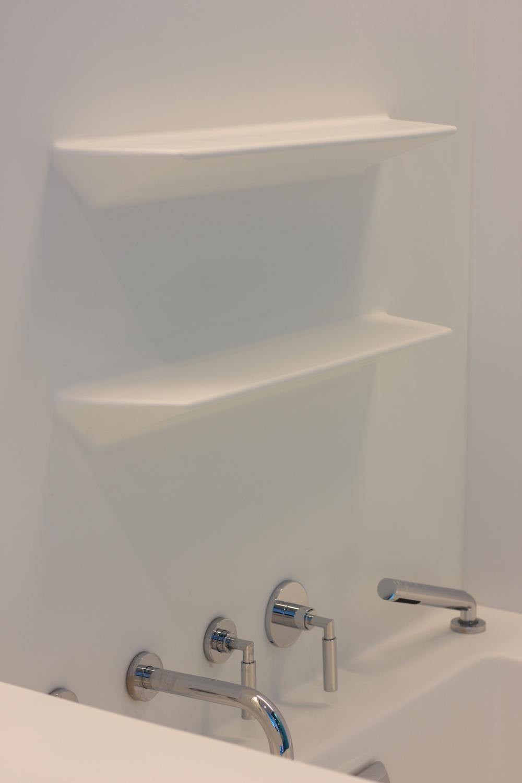 Bathroom - Kids - Shower shelf detail