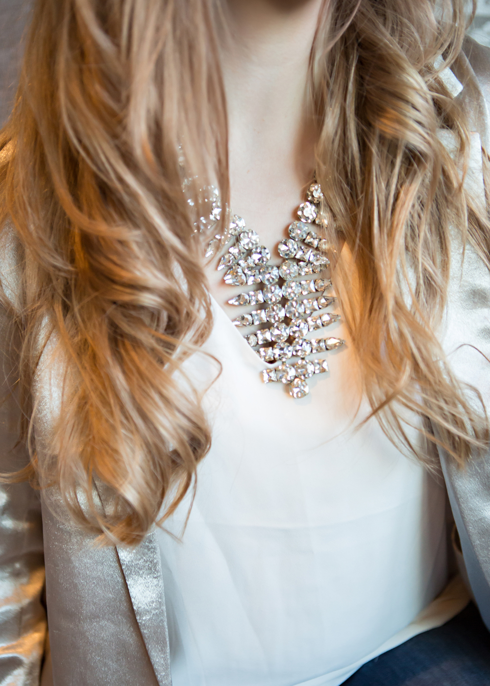 Faux diamond statement collar