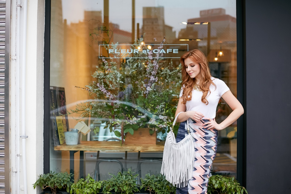 Redhead fashion, flower shop