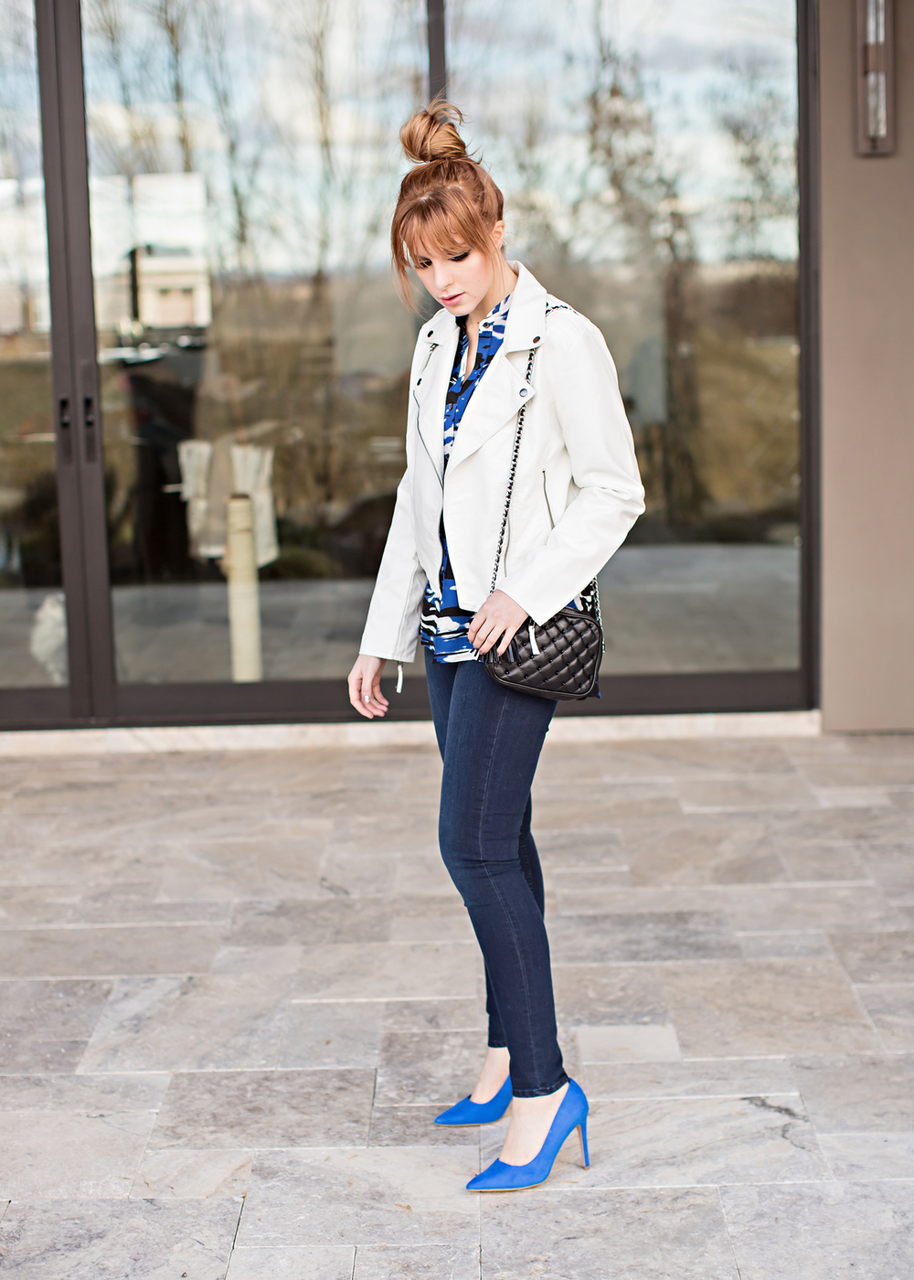 redhead fashion wearing parker blouse and cobalt blue heels