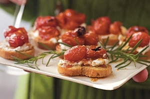 grape-tomato-crostini-oh-1923428-x.jpg