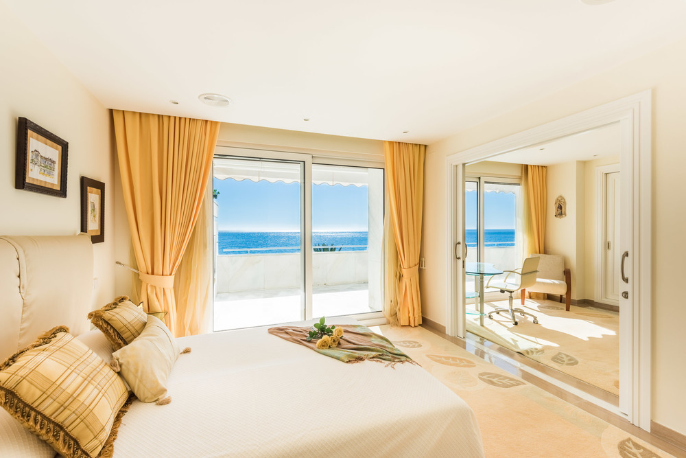 Luxury Apartment - Marbella Beachfront