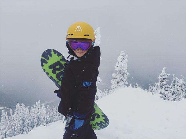 Snowboarding, duh! #fortgearkid #snowboardingisFUN #grom #6yo