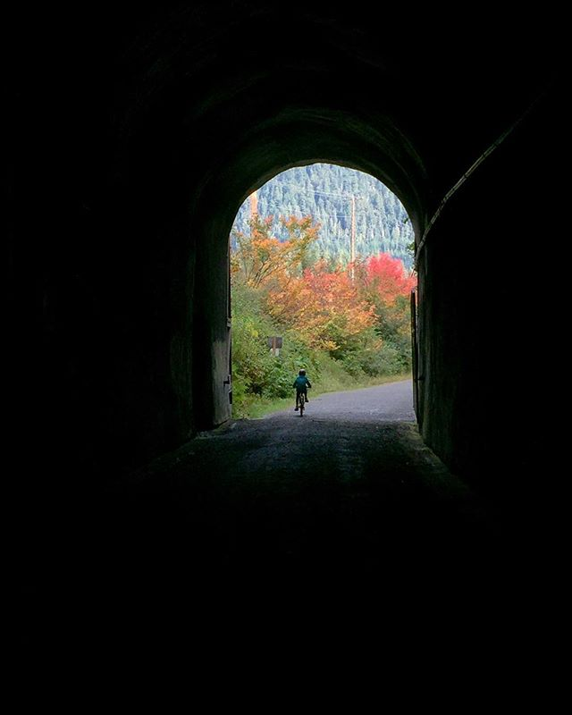 October adventure to-do: ride the Tunnel at Snoqualmie Pass. Perfect for those gloomy weekend days spent wondering what you should do to get outdoors. To bring: good headlamps, gloves (it's cold in there!), and some cocoa for afterwards! Don't forget your Discovery Pass at the trailhead and get a $99 parking ticket like we did! ☠️ #johnwaynetrail #thetunnel #thepasslife #getoutstayout #livelifeoutside #theweekend #exploremore