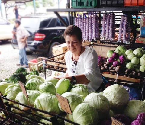 Marie elijiendo productos para el Virrey