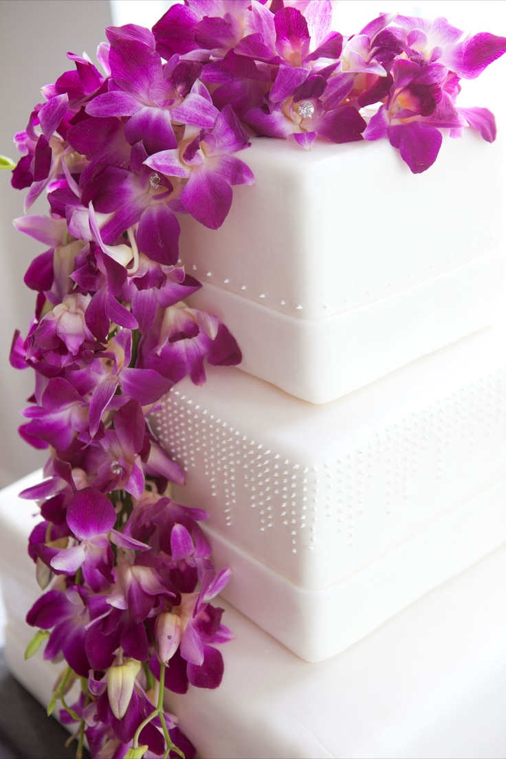 Cake flowers dendrobian orchids cascading chicly to one side