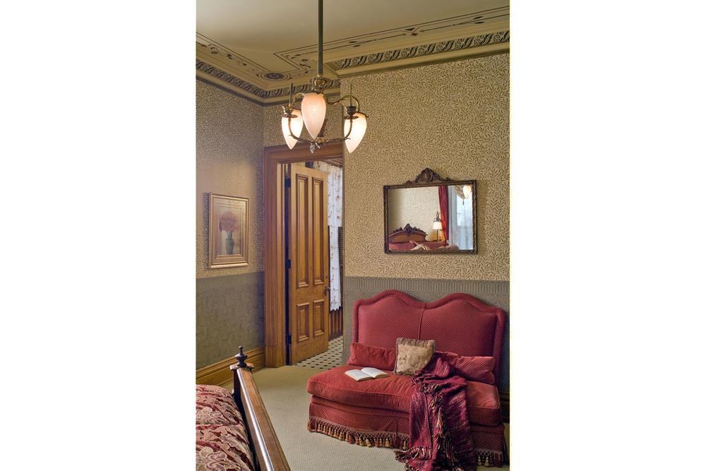 Room 4_3.jpg