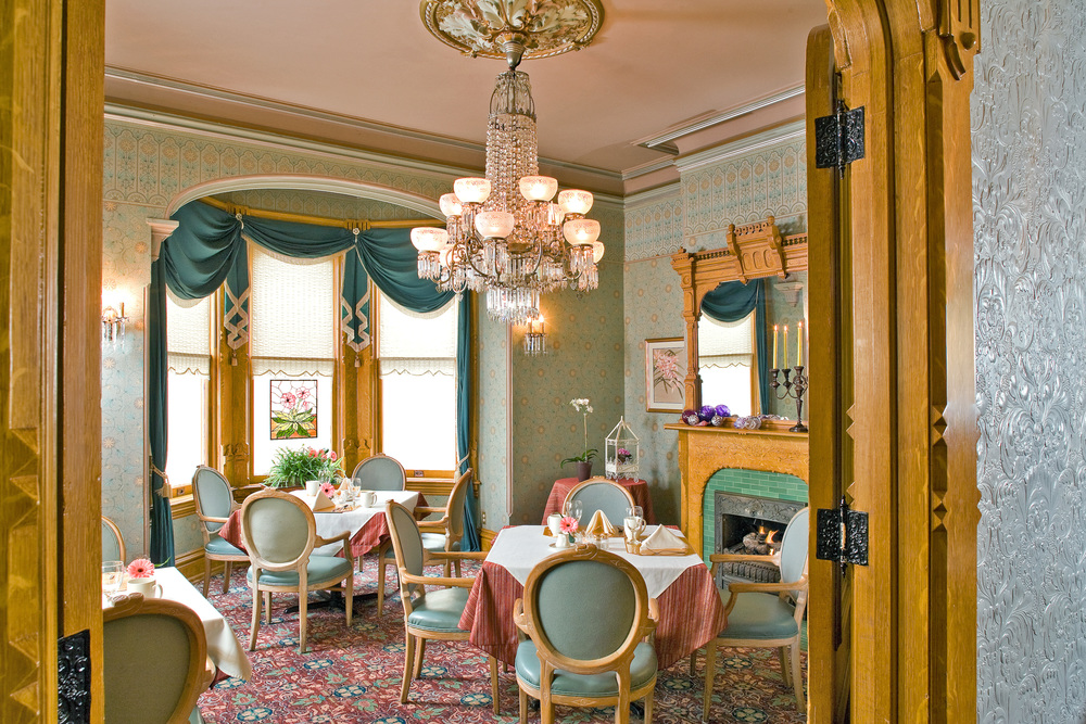 Breakfast Room_5.jpg