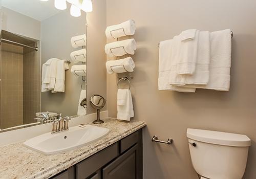 Room 8 bath_Resnexus.jpg