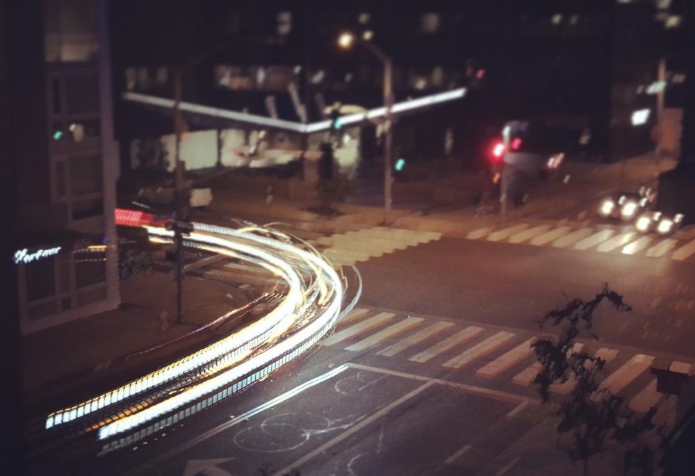 LIGHT TRAILS SUBMODE, ISO AUTO, SHUTTER 1/15s, HANDHELD