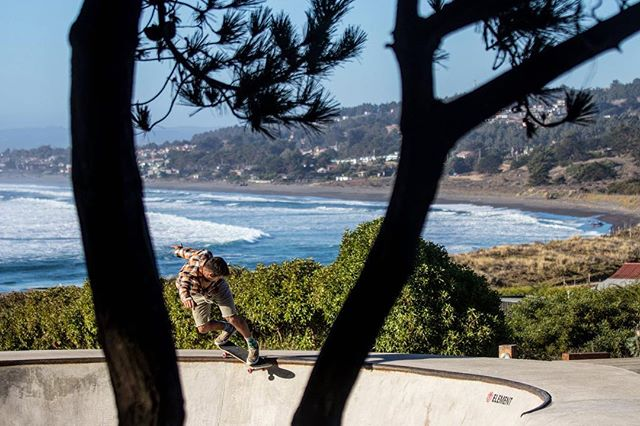 In between surf sessions with @baraklev123 one afternoon in Pichilemu. . . #chile #puntadelobos #pichilemu #explorechile #skatephotography #backsidesmith #canonusa