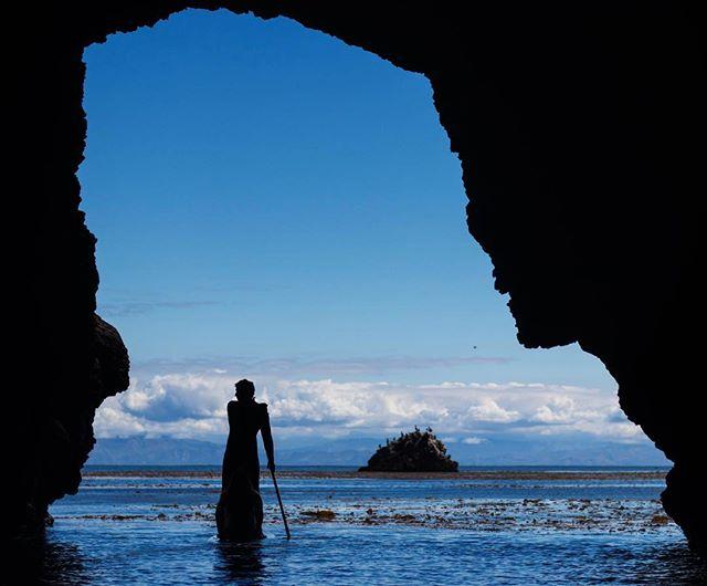 Exploring sea caves  @machoaloha  @erynkrouse  #channelislands #santabarbara #seesb #oceanphotography #madeofocean #canon_photos #canonusa #wanderlust