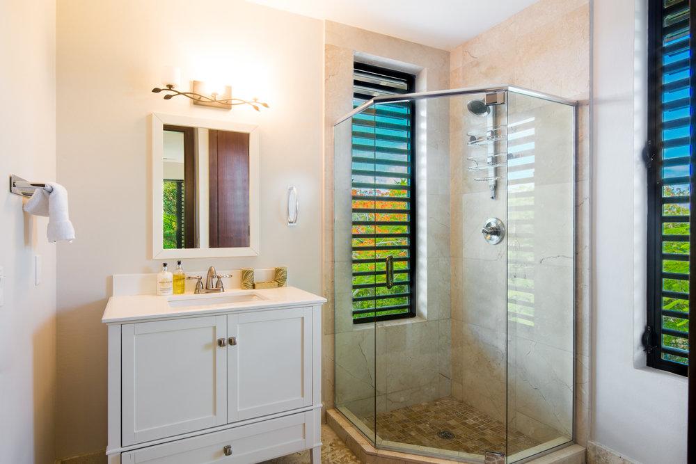 039 Xanadu Bathroom.jpg