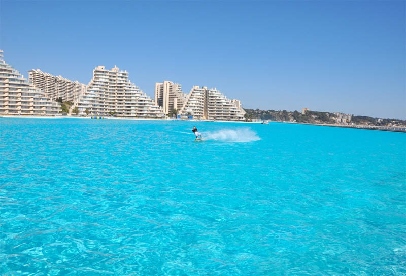 worlds-largest-swimming-pool-1.jpg