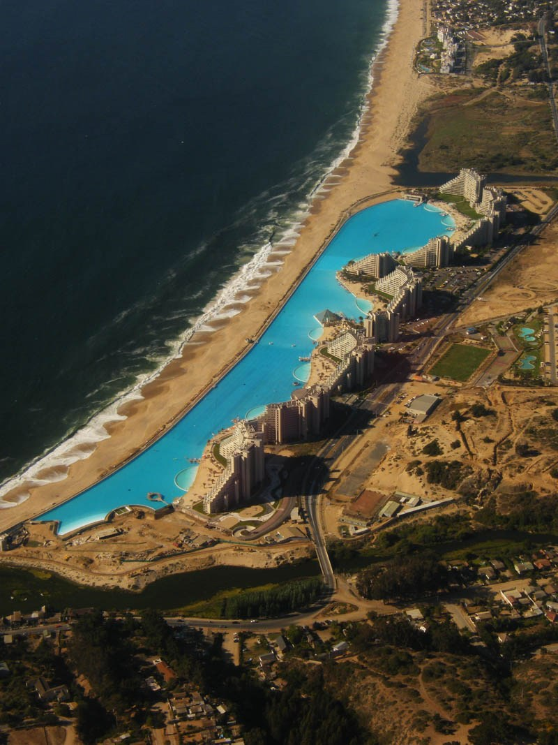 worlds-largest-swimming-pool-10.jpg