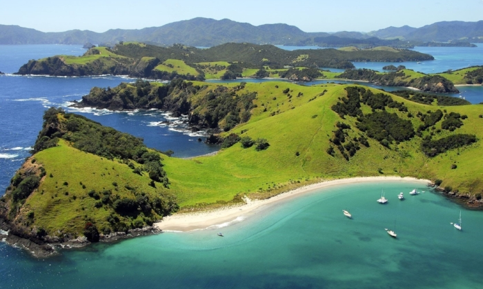 bay of islands.jpg