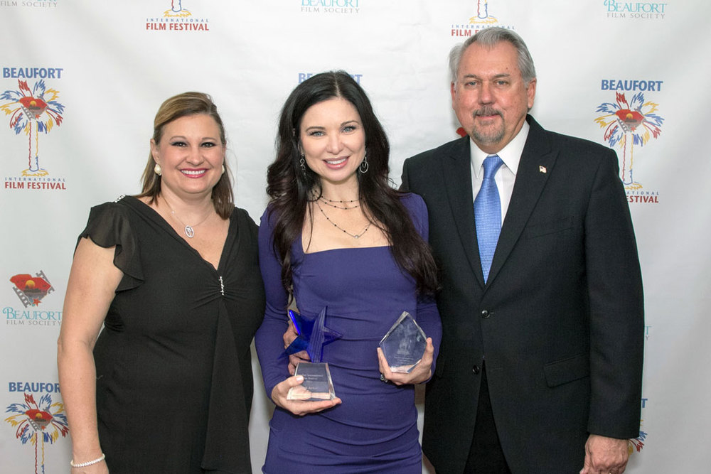 Award winning actor, Elizabeth Yoder, pictured here with Vice-President, Rebecca Hood Tucker and President, Ron Tucker of the Beaufort Film Society