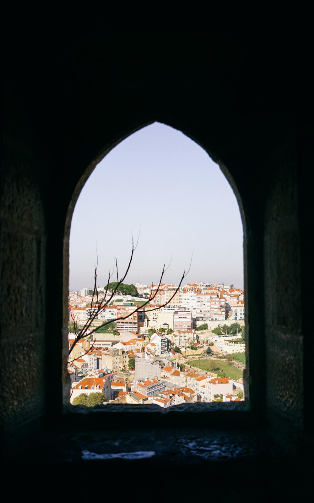 Inside the rampart of Castelo de São Jorge