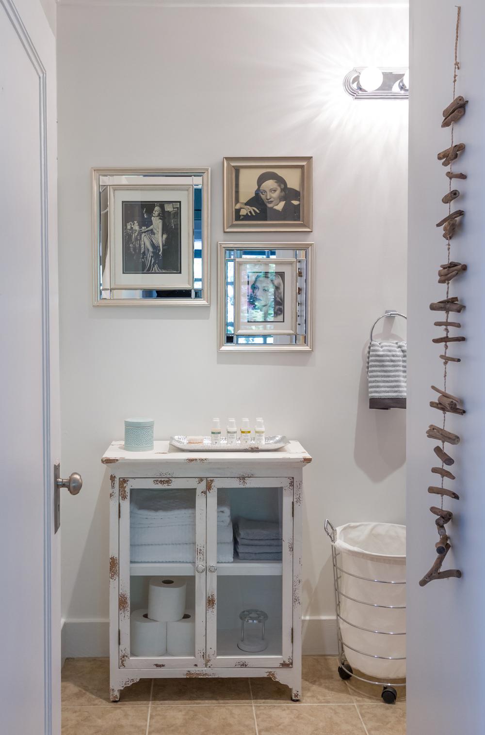 TS_Bathroom_Entrance.jpg