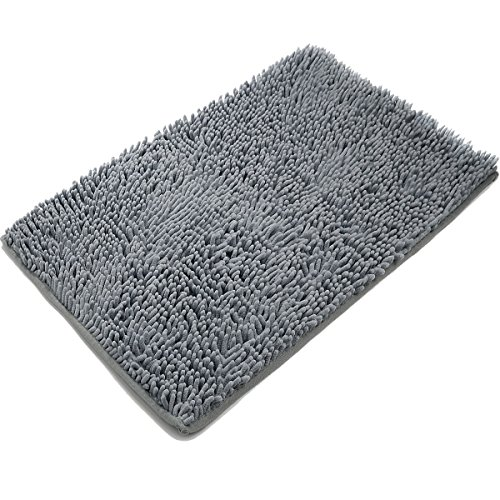 THIS BATHROOM MAT RESEMBLES THE LINING OF AN INTESTINAL WALL WITH VILLI