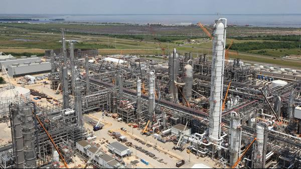 BASF ethylene plant construction 16x9.jpg
