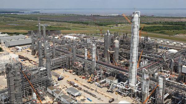 BASF ethylene plant construction 16x9.jpg