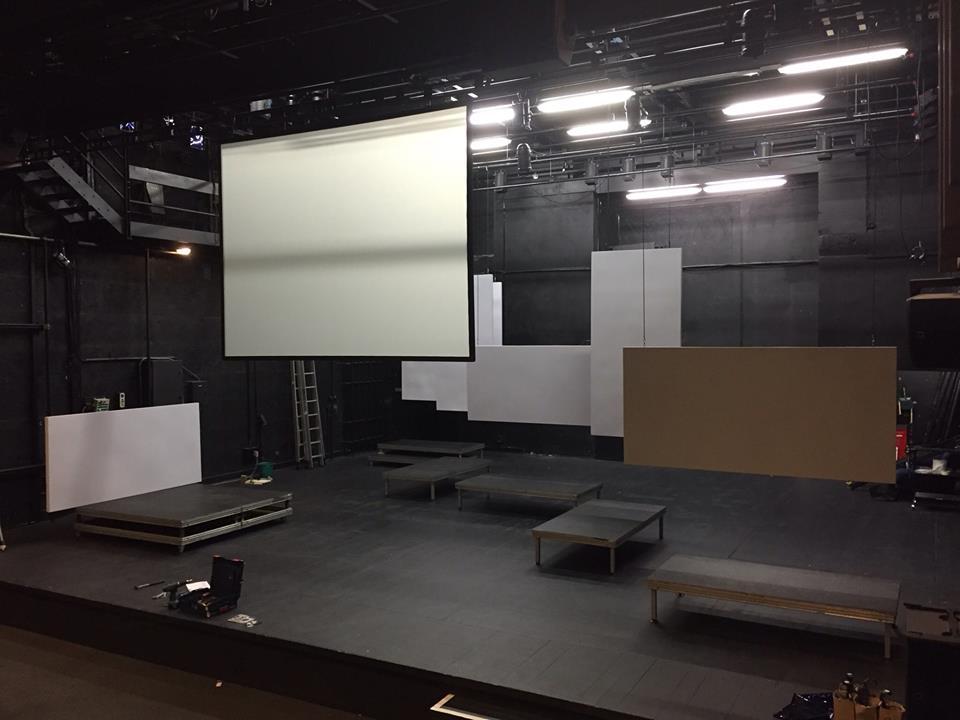 La chambre d'échos prend forme sur le plateau du TJP Grande Scène...