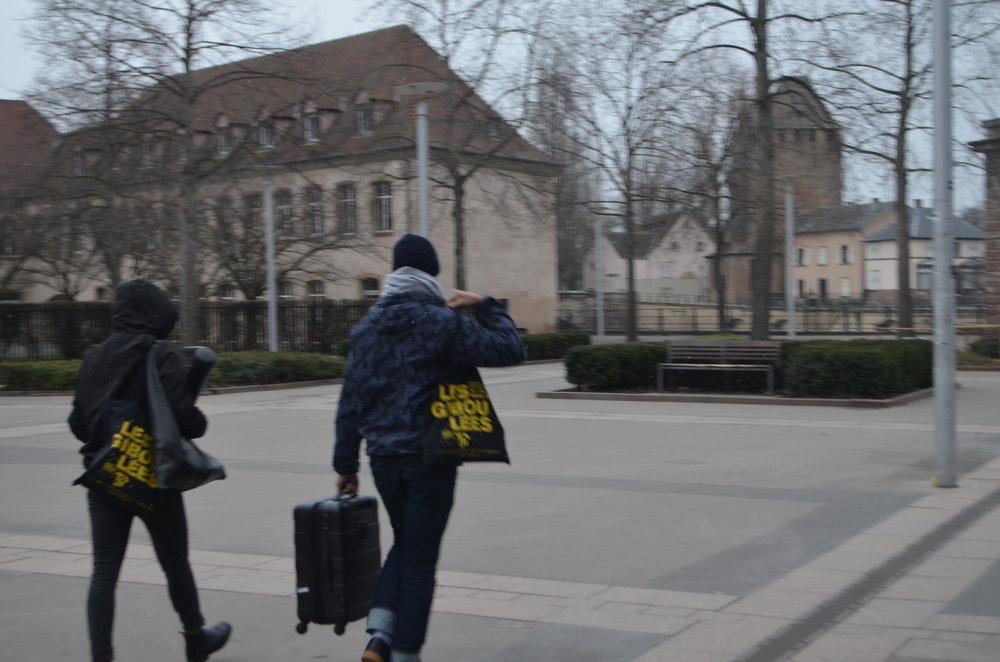 jiboulaïofzedaï : course poursuite entre métal et voile / a chase between metal and veil) (Ola Maciejewska & Christophe Le Blay)  (c) Chloé CPAC