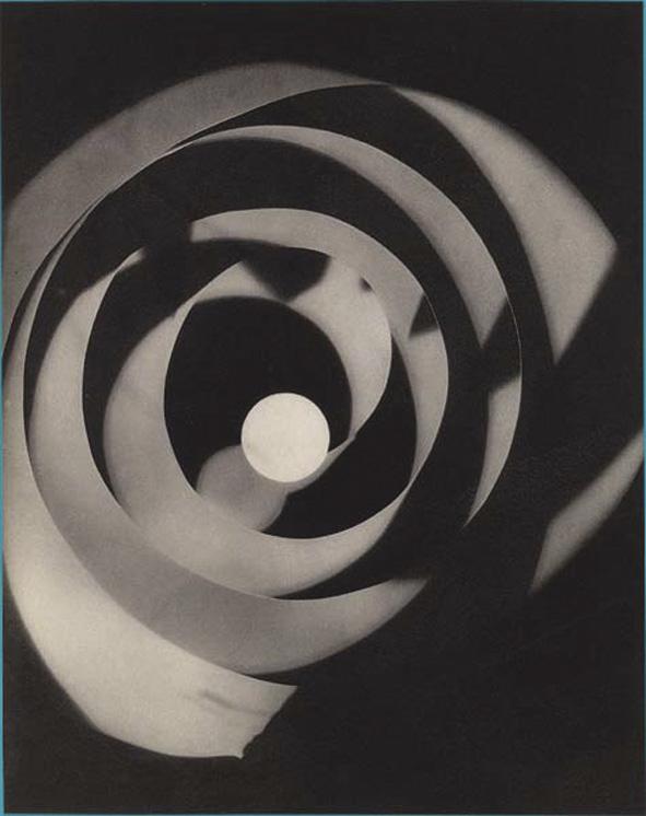 Man Ray — Rayogramme (1923)