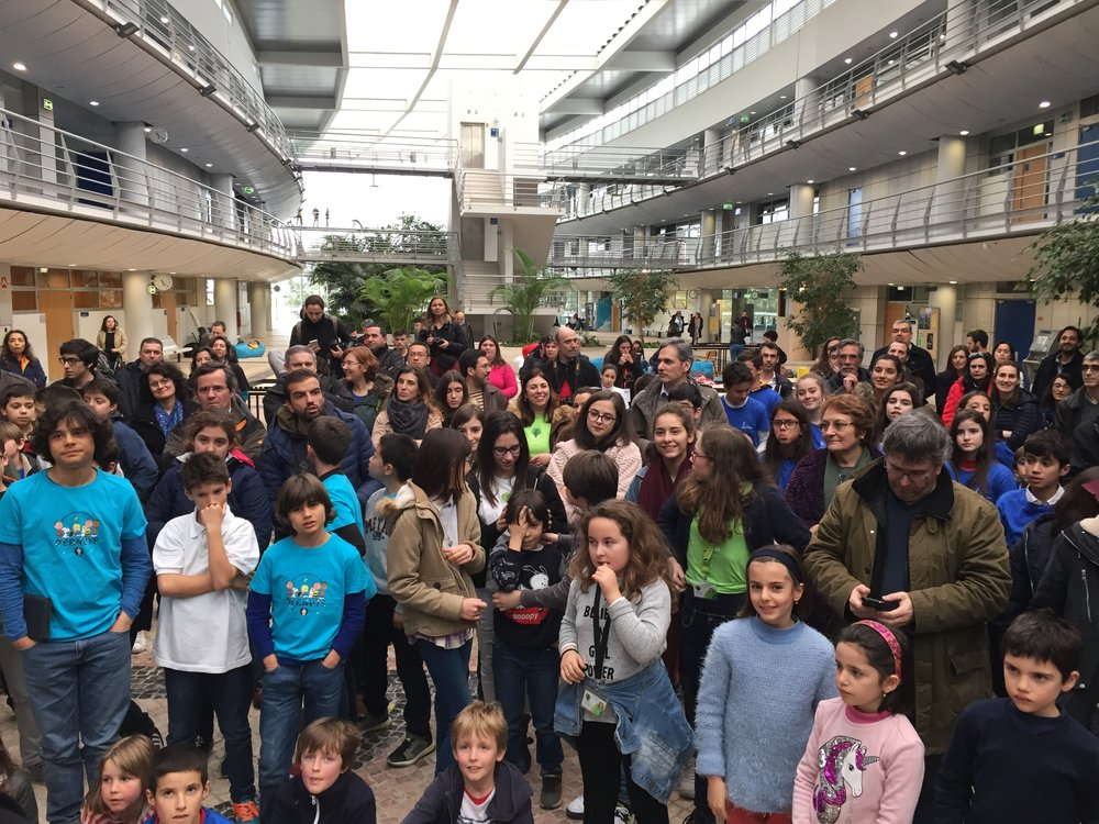 centenas e jovens estiveram presentes na final da fll no ist