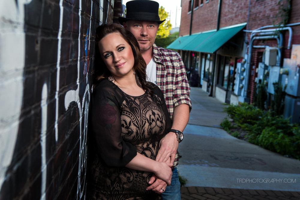 Chattanooga Downtown Couple Session - Family Photographer Ricky Davis