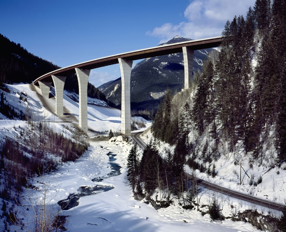 Kicking Horse Canyon Bridge.jpg