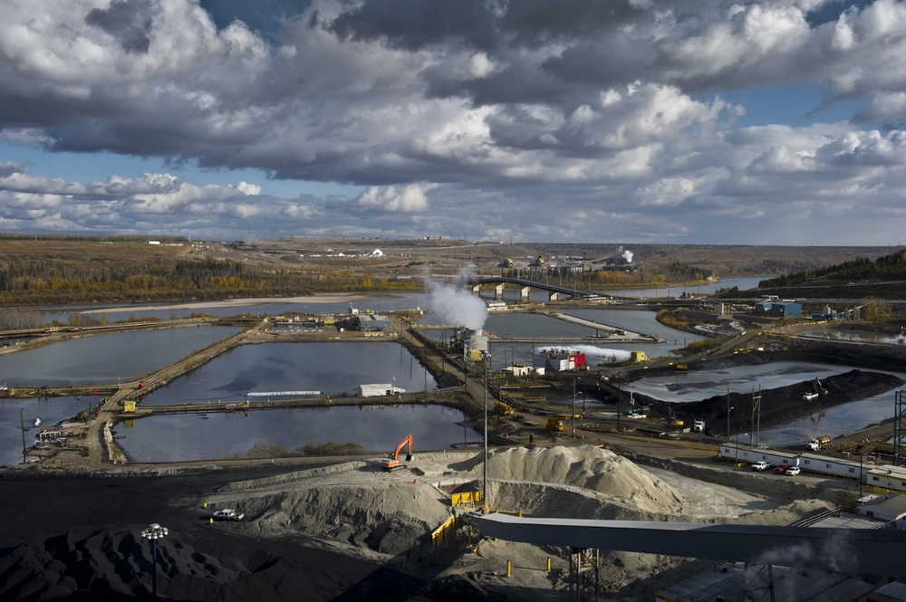 Tailings Pond Suncor OilSands.jpg