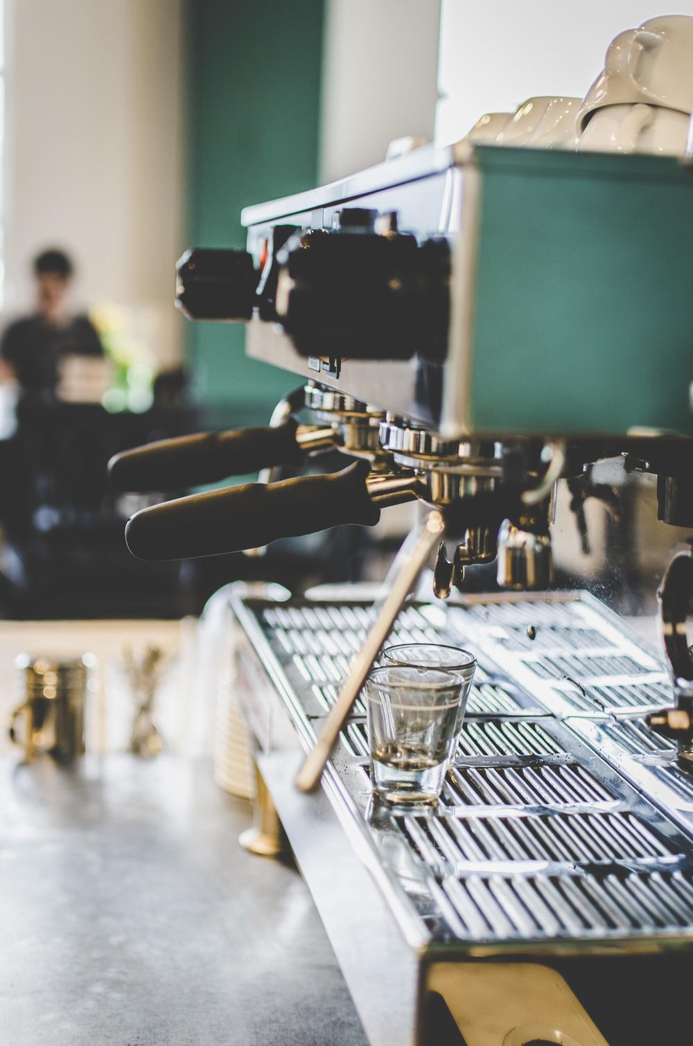 dfw-photographer-jasmine adisbeth photography-savor coffee-10
