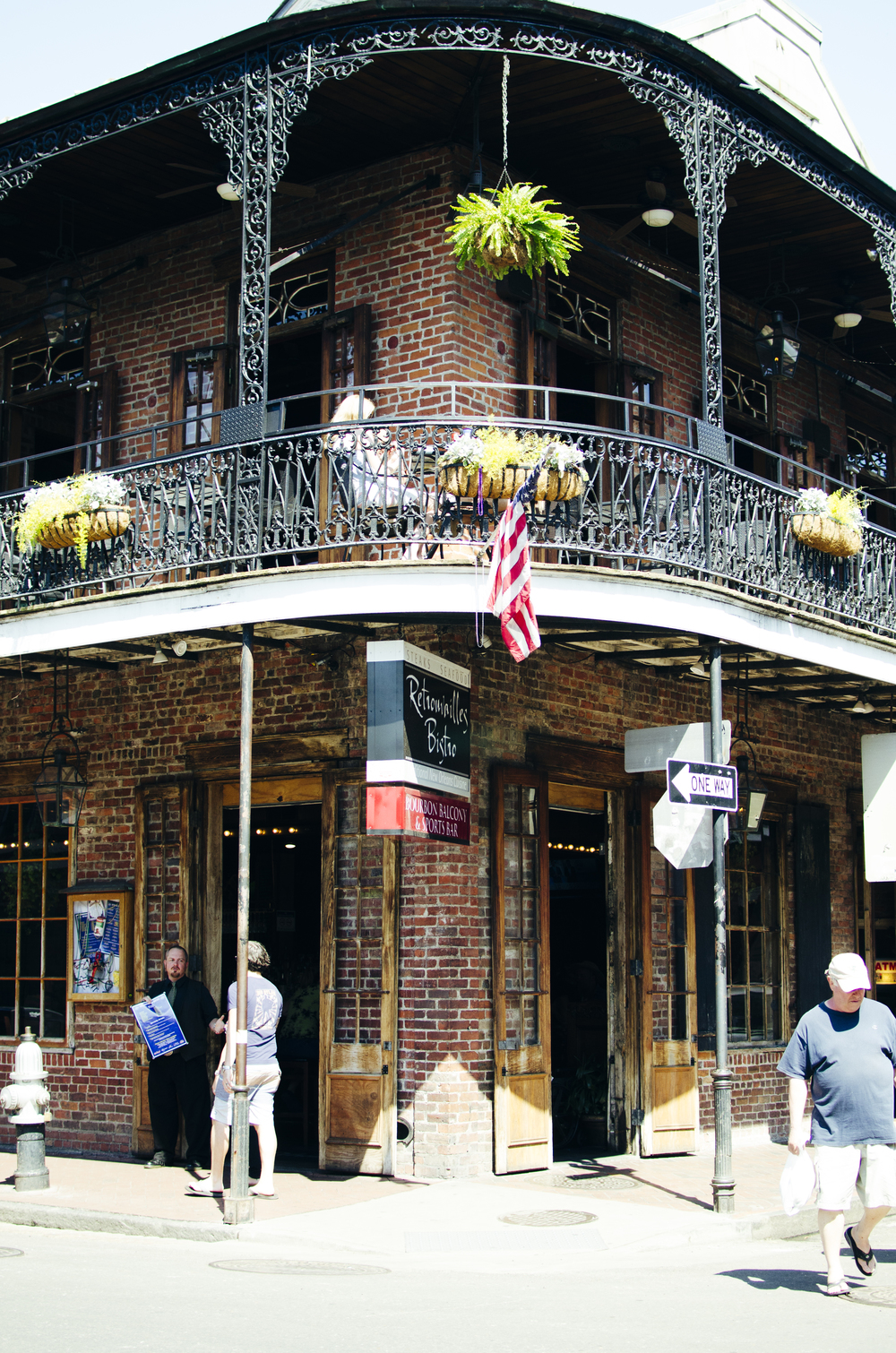 Beautiful patios all over the French Quarter and in other neighborhoods of New Orleans provide you with the perfect place to sip on an iced tea, bloody mary, and enjoy some Al Fresco dining while being able to people watch.