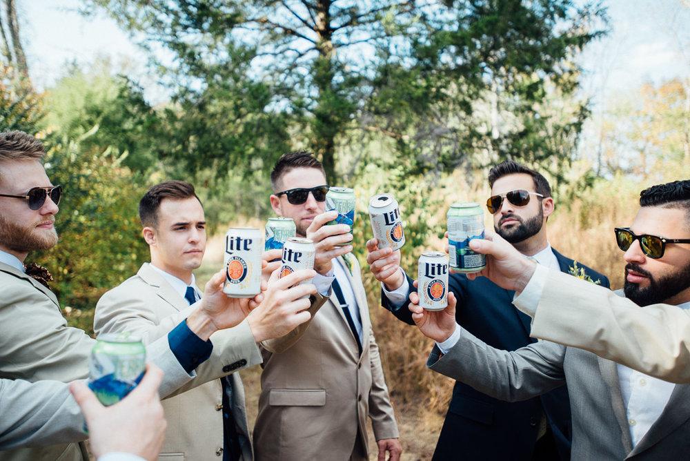 groomsmen-beers.jpeg
