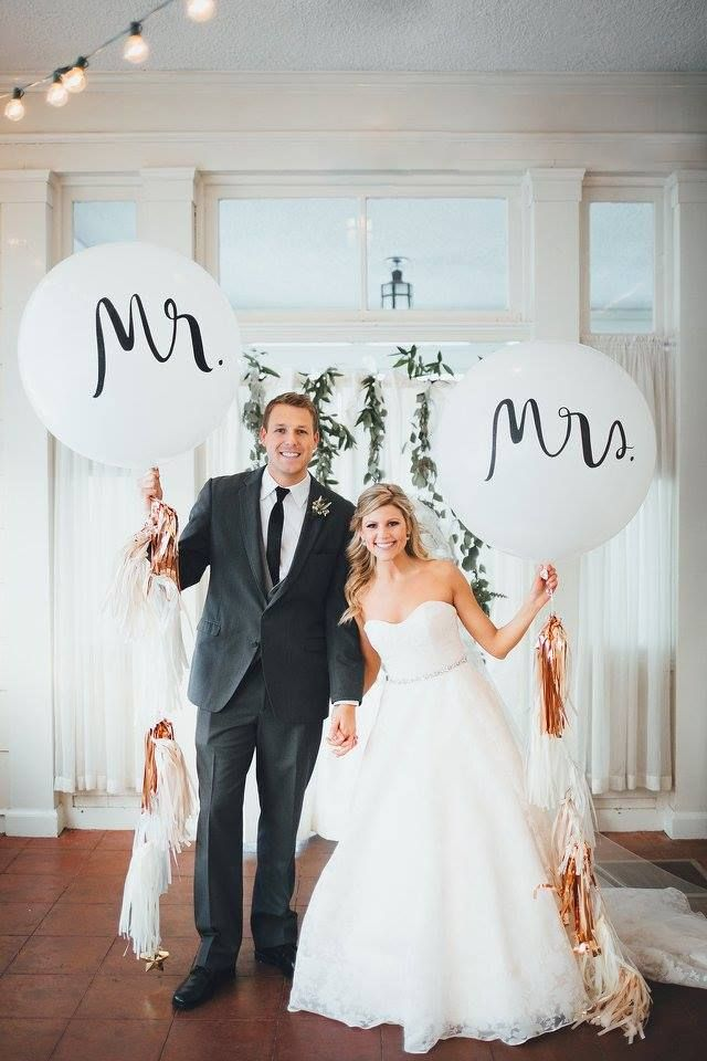 Mr Mrs Script Lg Balloon Design.jpeg
