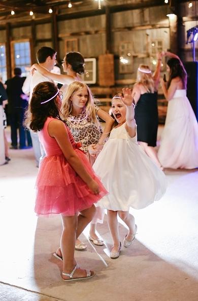 nashville-best-murfreesboro-wedding-photographer-grove-30.jpeg