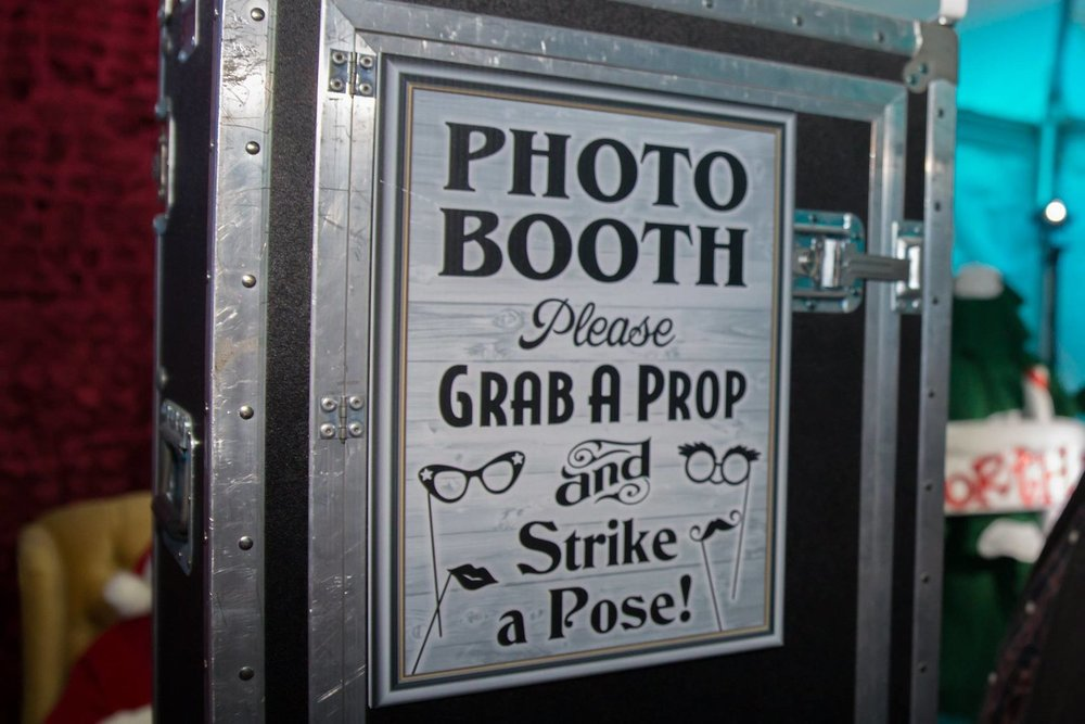 Photo Booth Sign.jpeg