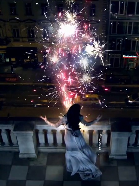 Katy-Perry-Firework-Video-Copyright-©-2010-Capitol-Records-and-Katy-Perry-03.jpg