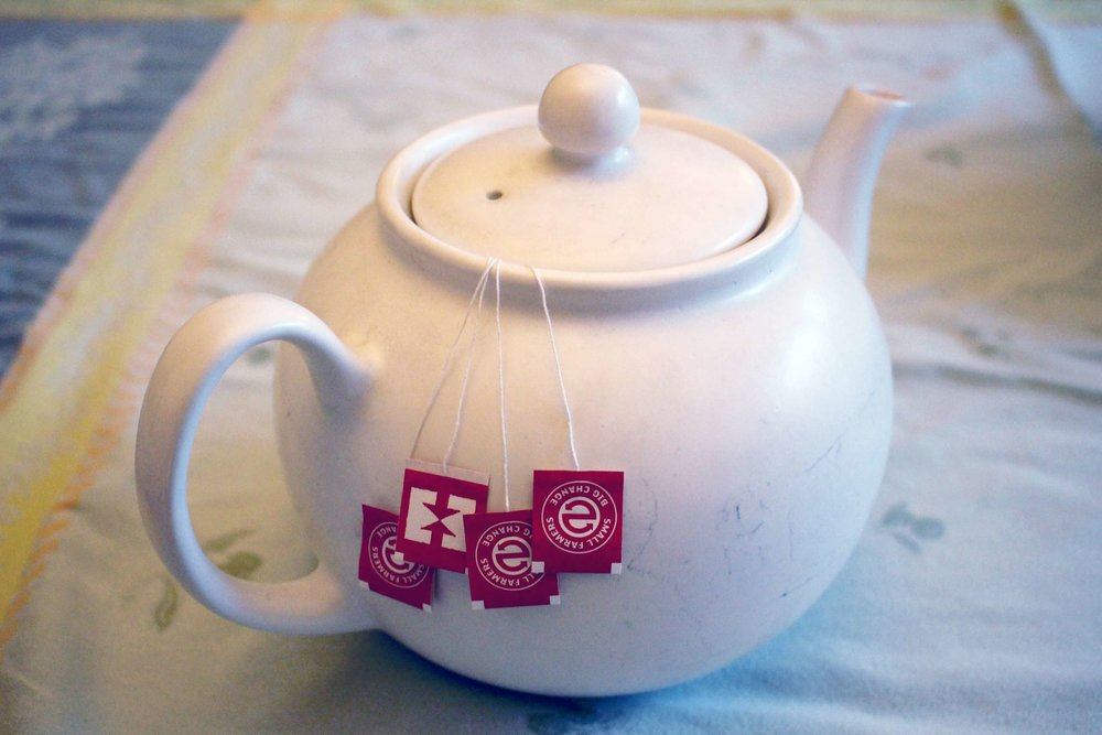 Make a pot of tea using about 4 teabags.