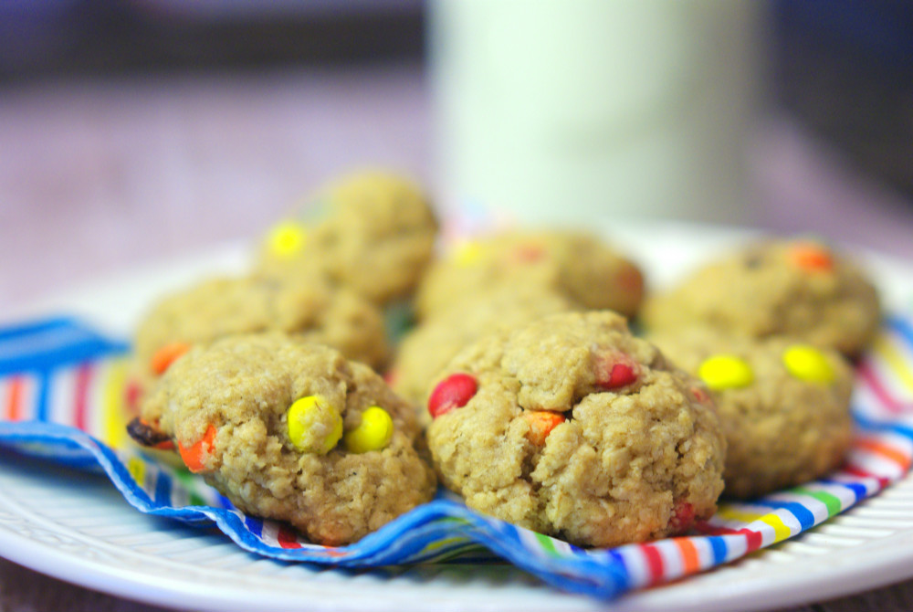 Chewy Oatmeal Cookies with M&Ms | Home & Plate | www.homeandplate.com