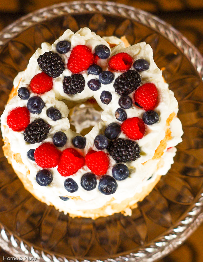 Angel Food Cake with Berries & Amaretto Whipped Cream | Home & Plate | www.homeandplate.com | There is no recipe required for this easy to assemble summer dessert.
