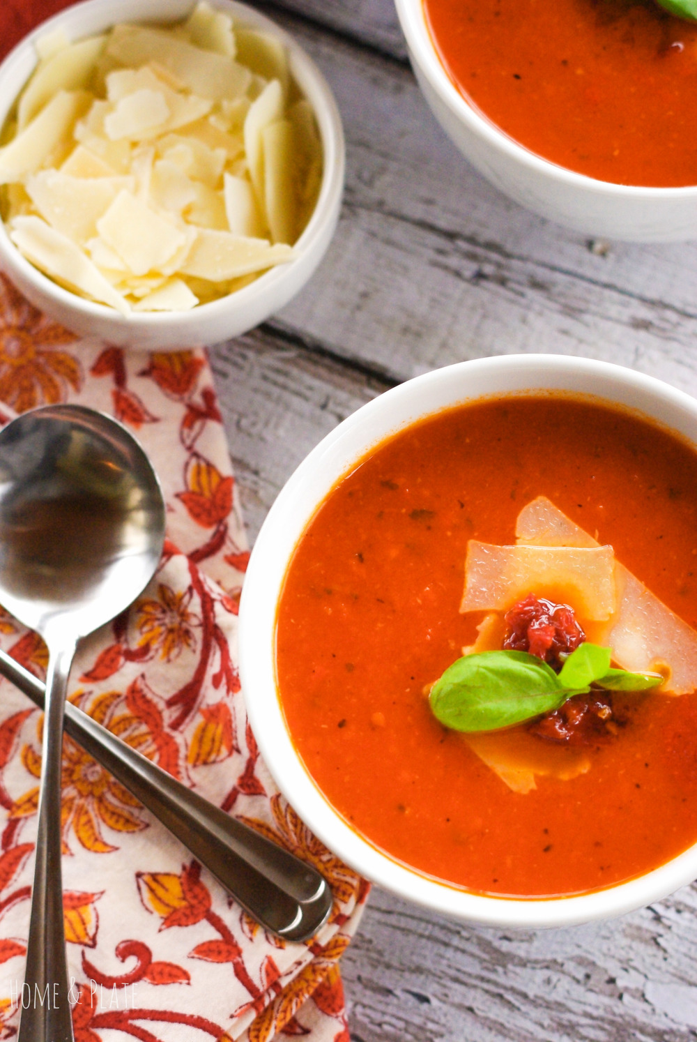 Sun Dried Fire Roasted Tomato Soup | www.homeandplate.com | Each spoonful is bursting with the sweet and tart flavor of fresh tomatoes, the intense taste of the fruit sun dried at the height of ripeness and the salty smoky flavor of the bacon.