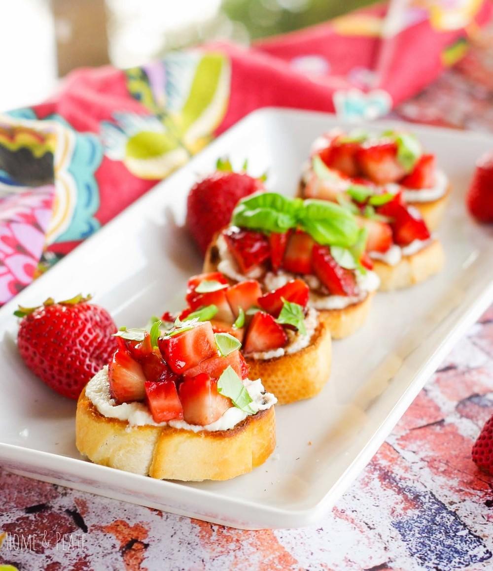 Balsamic Strawberry Toasted Crostini with Ricotta & Fresh Basil | www ...
