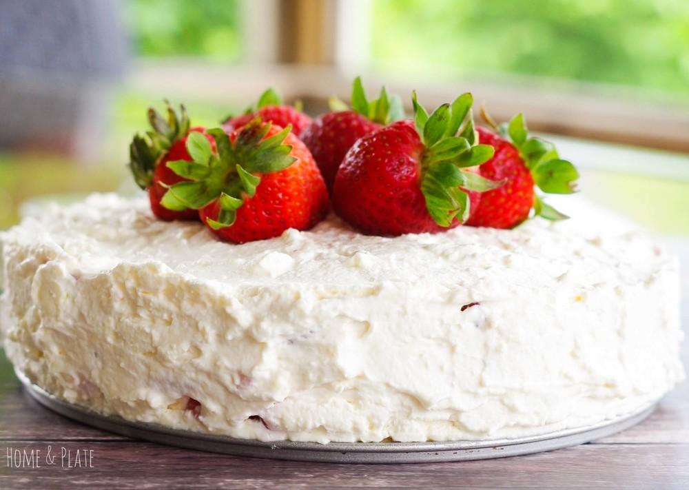 strawberry-icebox-cake-with-vanilla-wafers-2.jpg