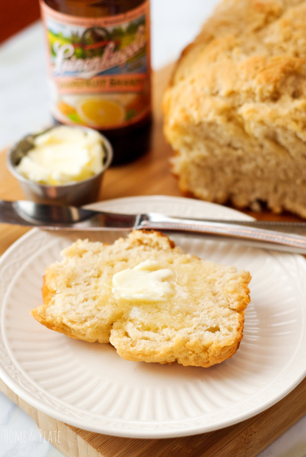 Grapefruit Honey Beer Bread | www.homeandplate.com | There is nothing better than sinking your teeth into a slice of soft homemade beer bread that tastes like grapefruit and honey.
