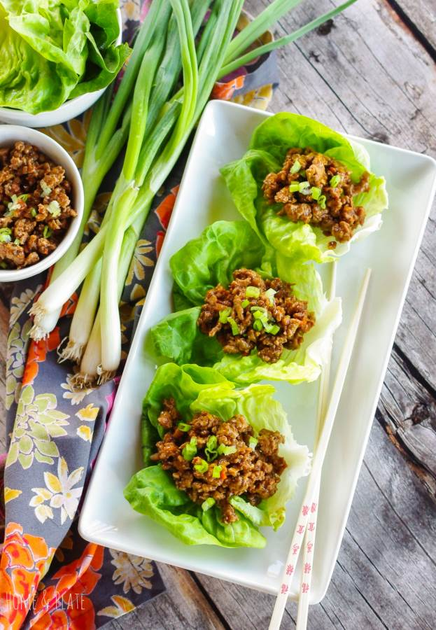Copycat PF Changs Lettuce Wraps| www.homeandplate.com | A copycat recipe for delicious lettuce wraps that you can whip up in under 30 minutes.