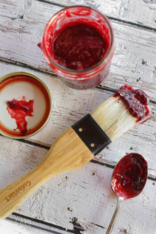 Blackberry Barbecue Sauce | www.homeandplate.com | Fresh sweet blackberries give this barbecue sauce punch. It's sweet and delicious drizzled on top of grilled pork tenderloin, ribs or chicken.